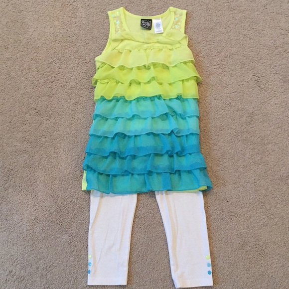 Pogo Club Other - Girls Ombré Two-Piece Outfit